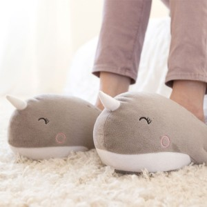 footwarmer-narwhal-usb-heated-slippers-2